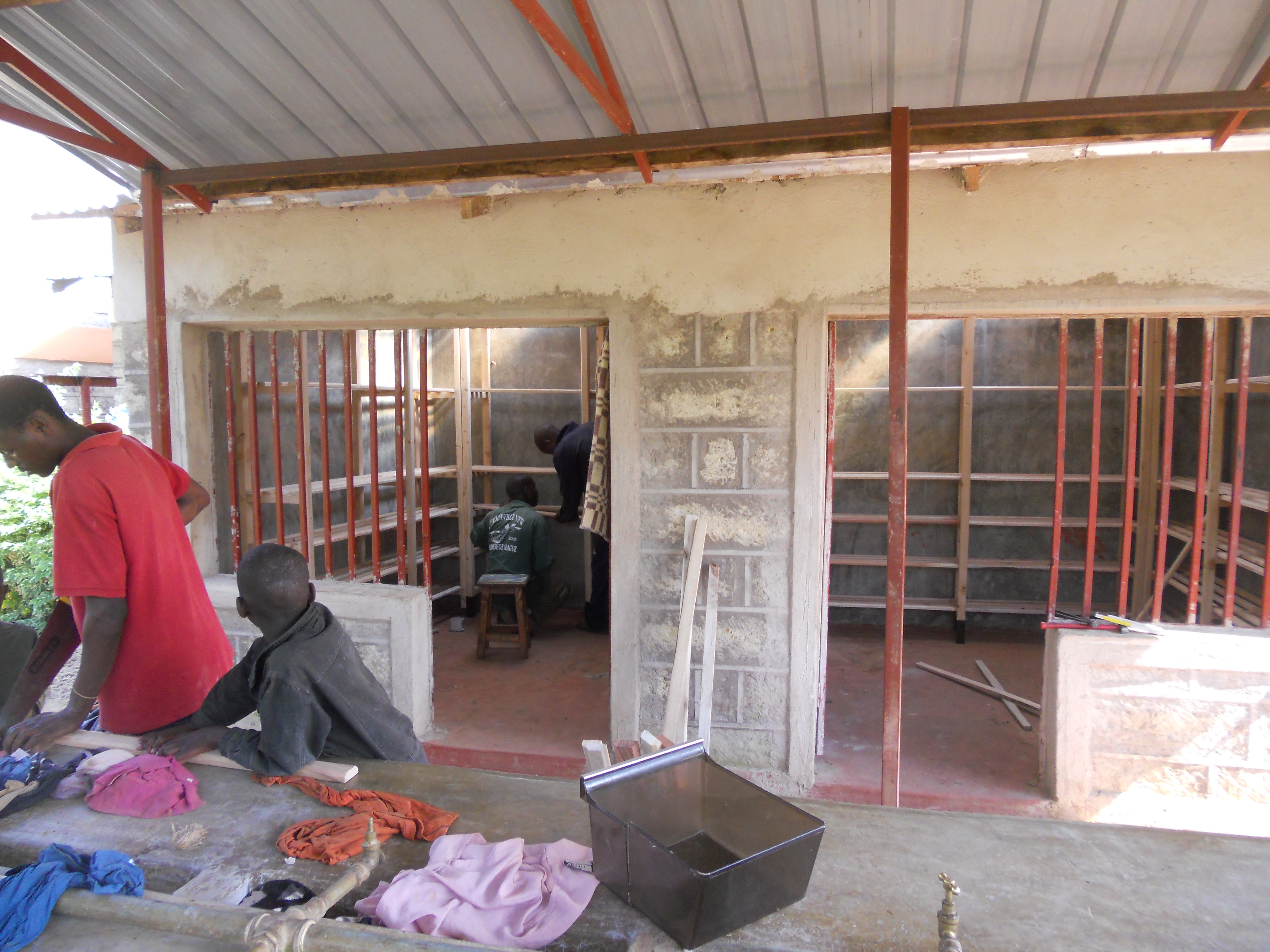 Progetti completati in kenya nel 2015 costruzione di un for Costruzione di un soppalco nel garage